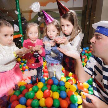 Narodeninová oslava s bublinami
